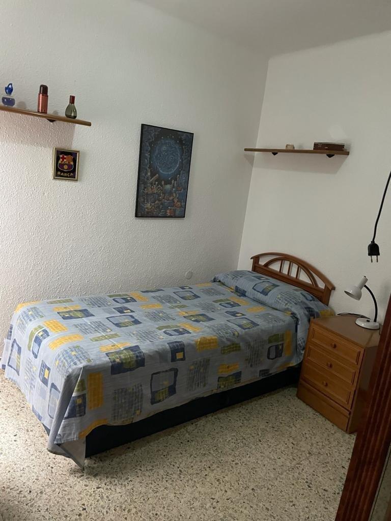 Piso · Cornella De Llobregat · Gavarra 800€ MES€
