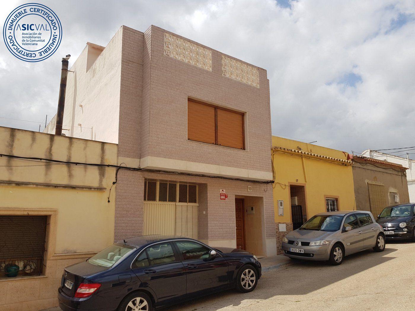 casa en tavernes-de-la-valldigna · pueblo 125000€