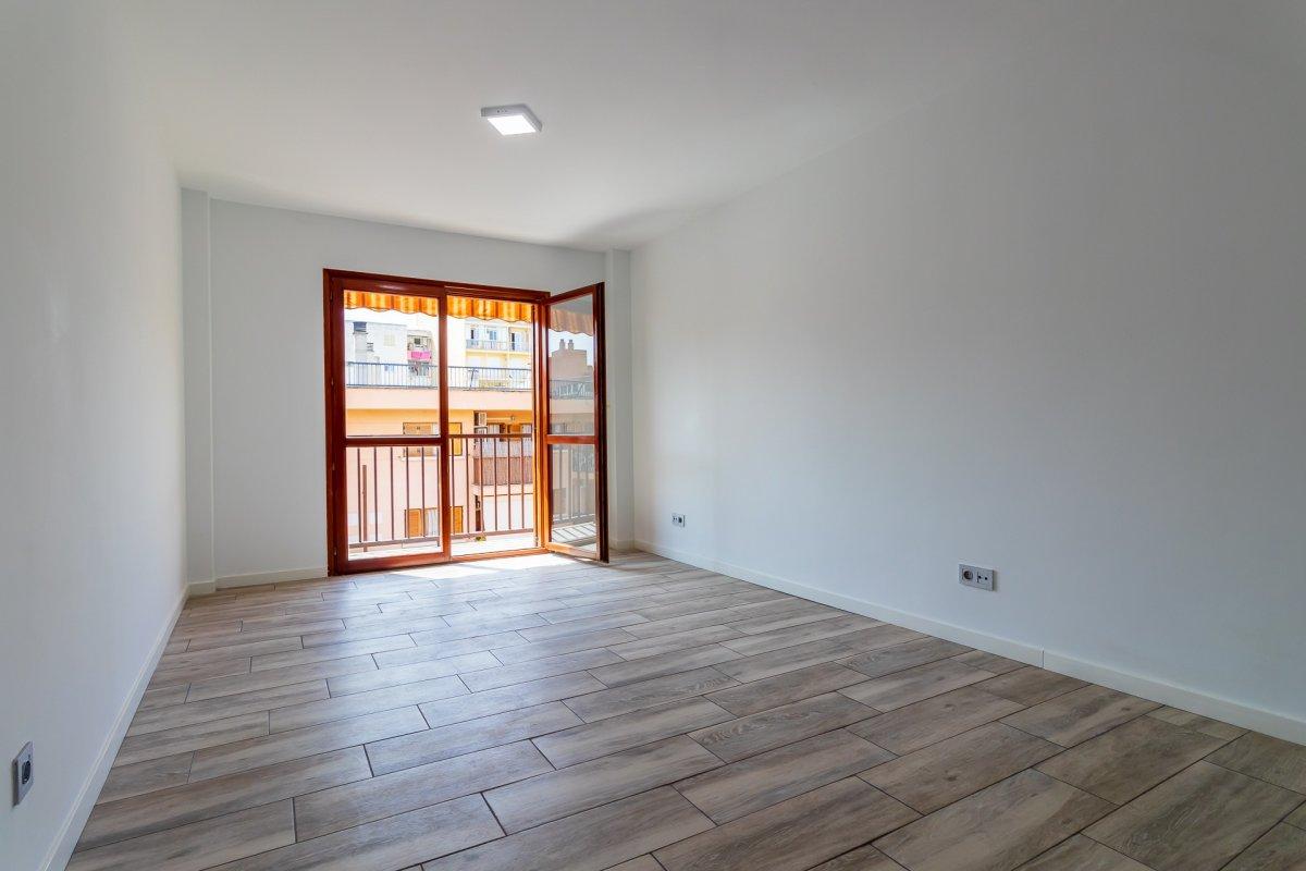 Excelente vivienda perfectamente reformada y con garaje en son dameto. - imagenInmueble1