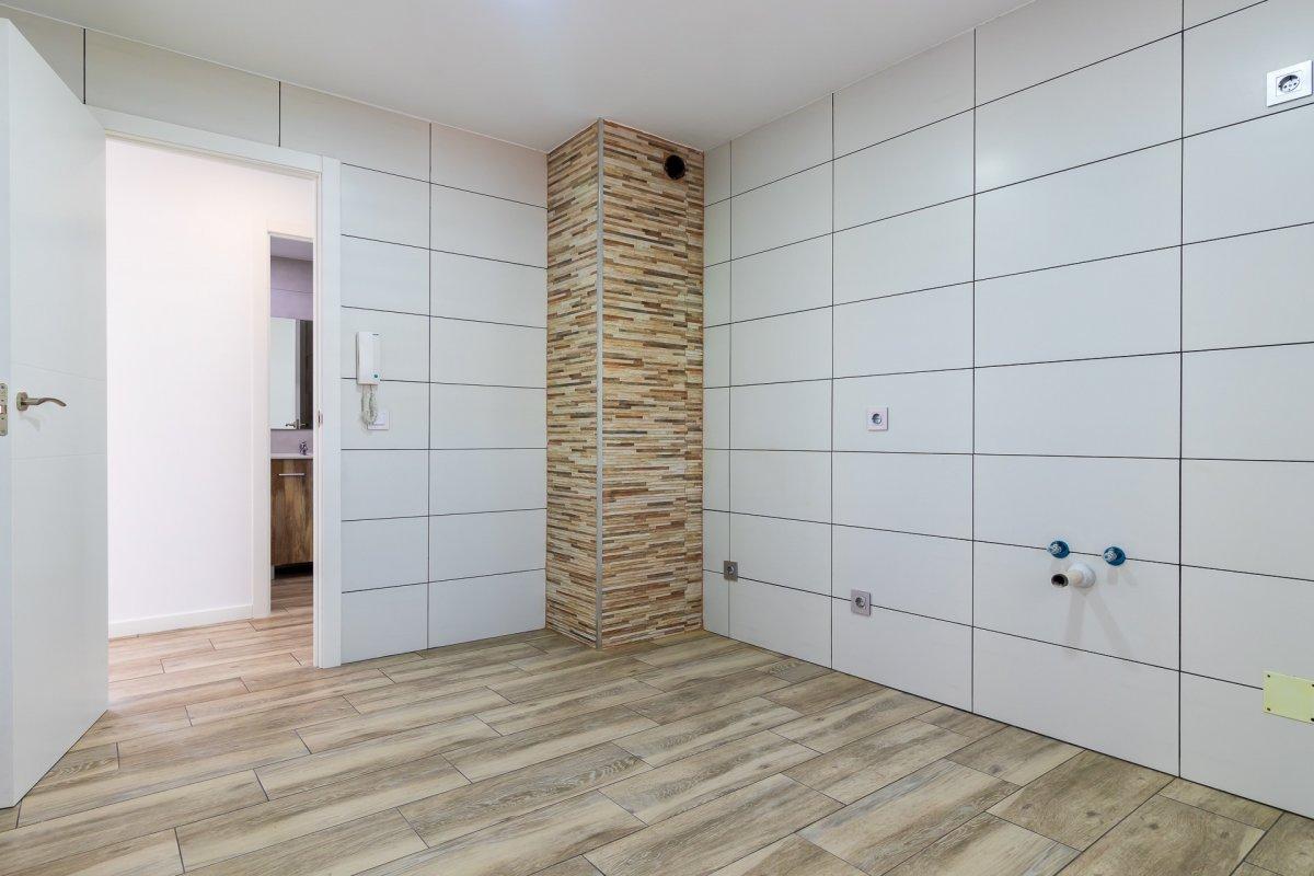 Excelente vivienda perfectamente reformada y con garaje en son dameto. - imagenInmueble3