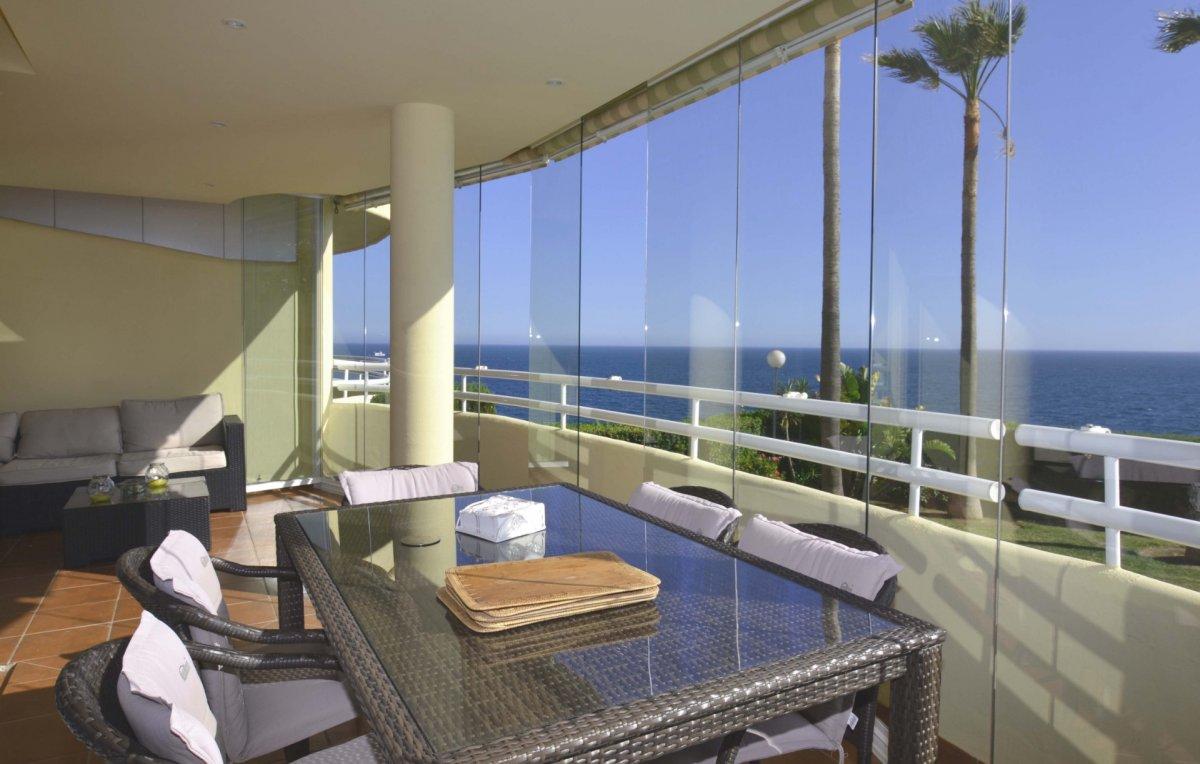apartamento en benalmadena · 1ª-linea-de-playa 385000€