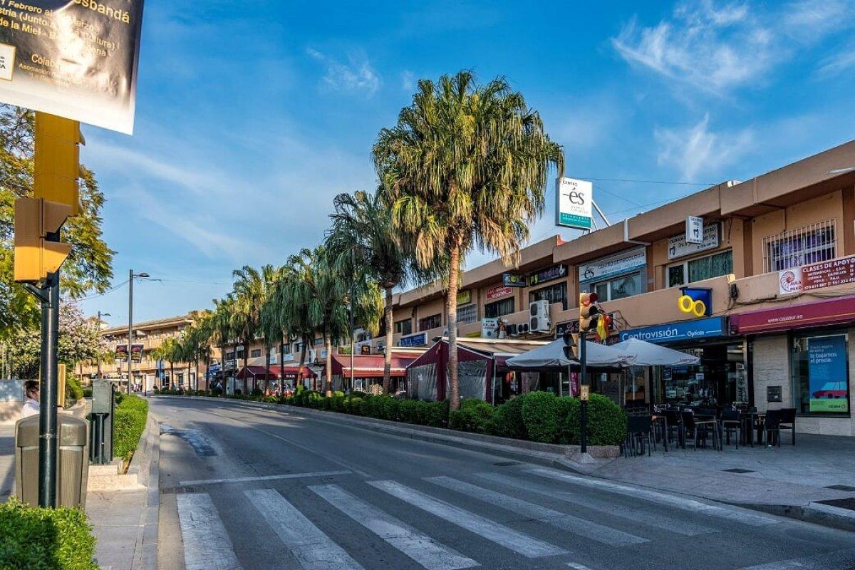 local-comercial en benalmadena · arroyo-de-la-miel 95000€