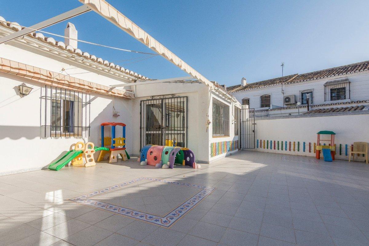 casa-con-terreno en fuengirola · centro 450000€