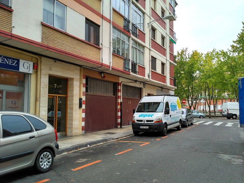 Local Comercial · Pamplona - Iruña · Azpilagaña 92.000€€