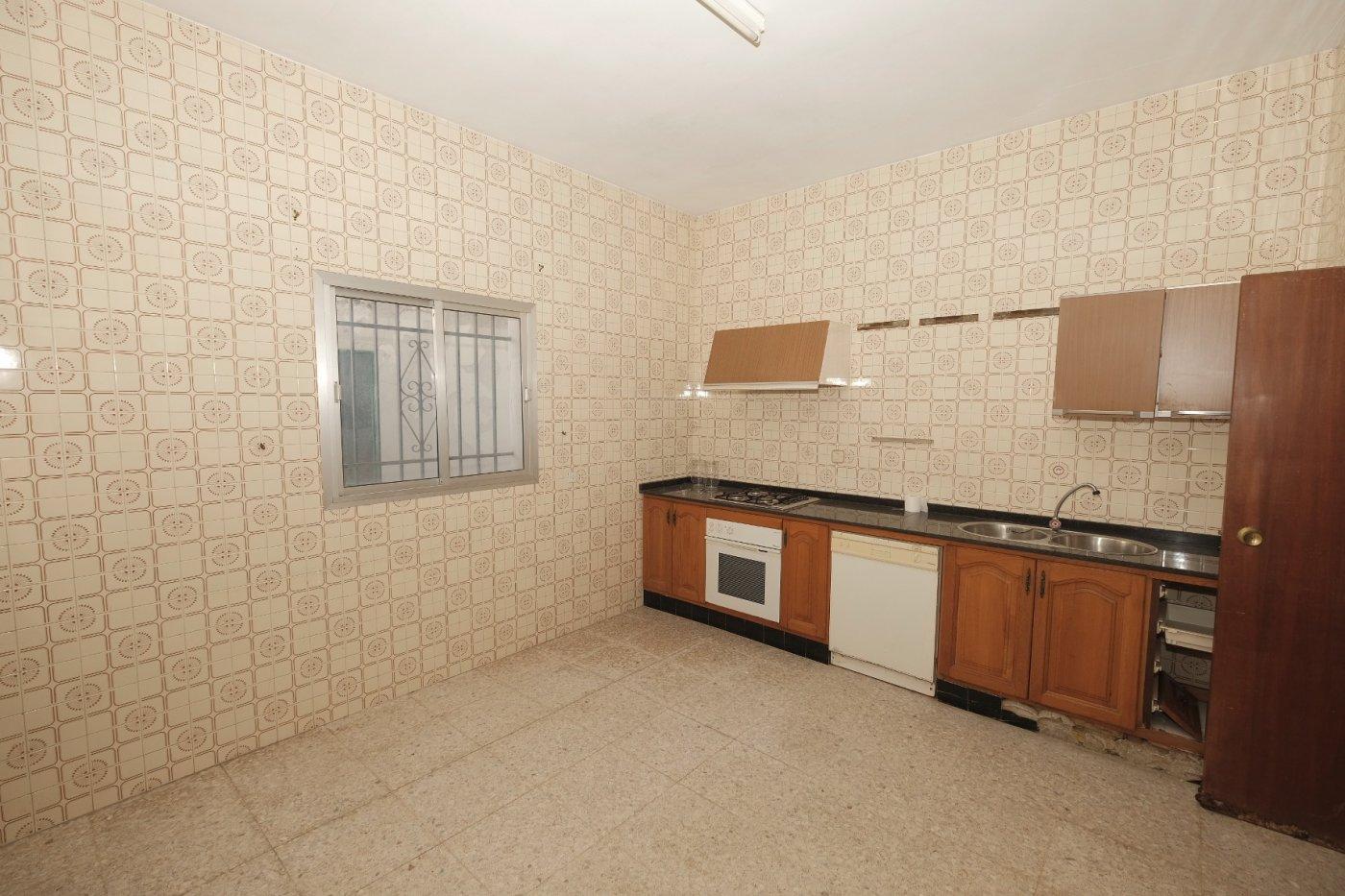 casa en alcala-de-guadaira · centro 75000€