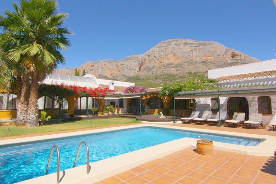 Villa in J�vea - X�bia Montgo - Valls