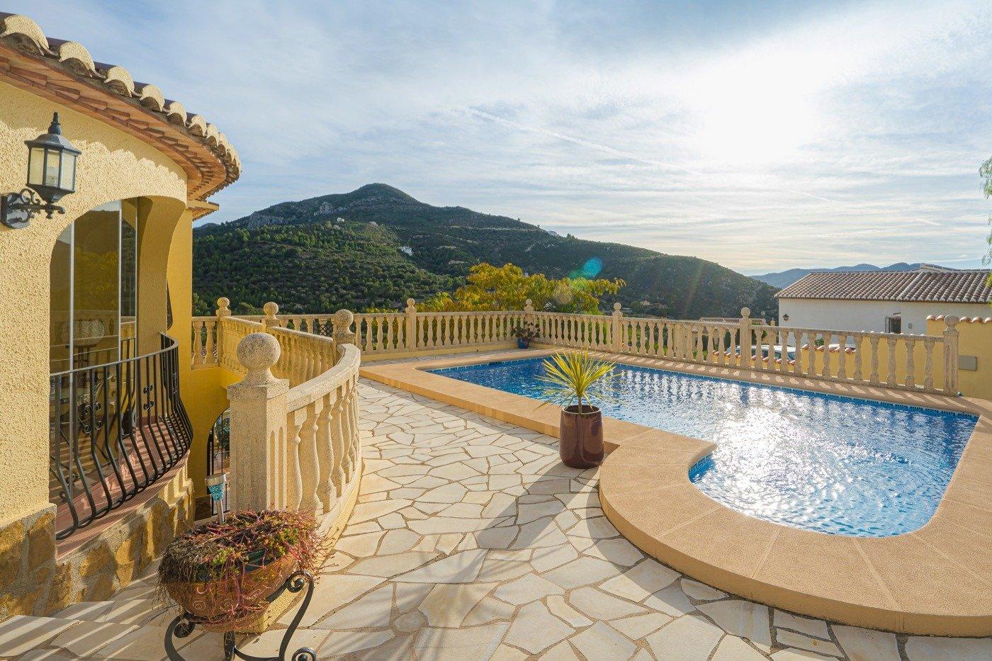 Villa in Alcalali Urbanizacion