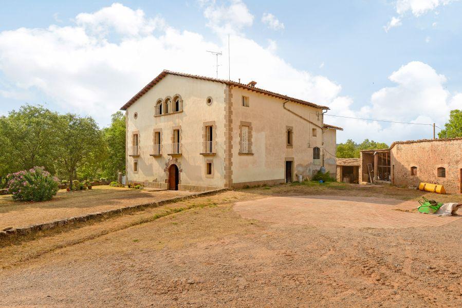masia en sallent · carretera 1250000€