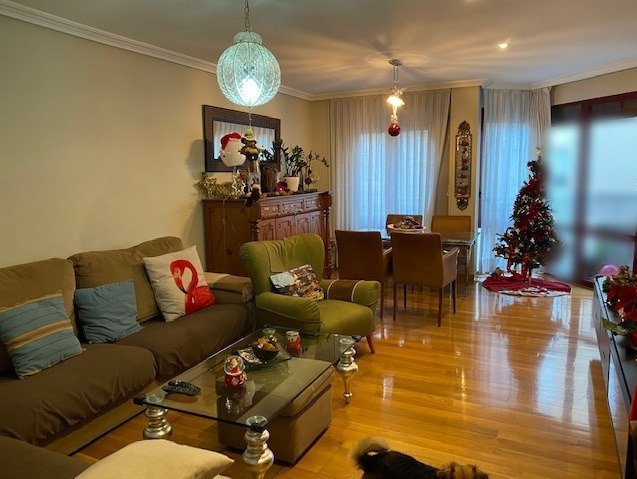 Venta muy céntrico, zona puerta nueva, 170 m2.4 dormitorios, garaje y trastero
