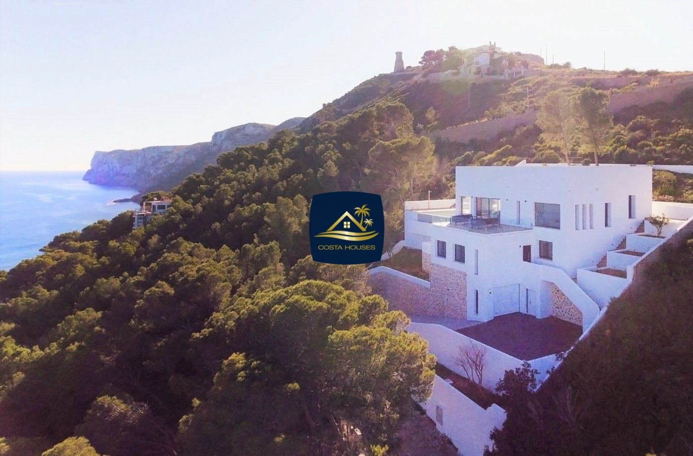 ▷ Buying a House with Sea Views, you should consider this Luxury Villa at the Sea in DENIA