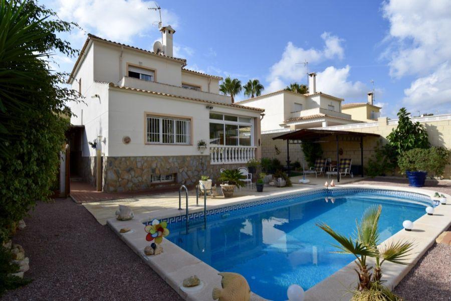 villa en lalfas-del-pi · urbanizaciones 295000€