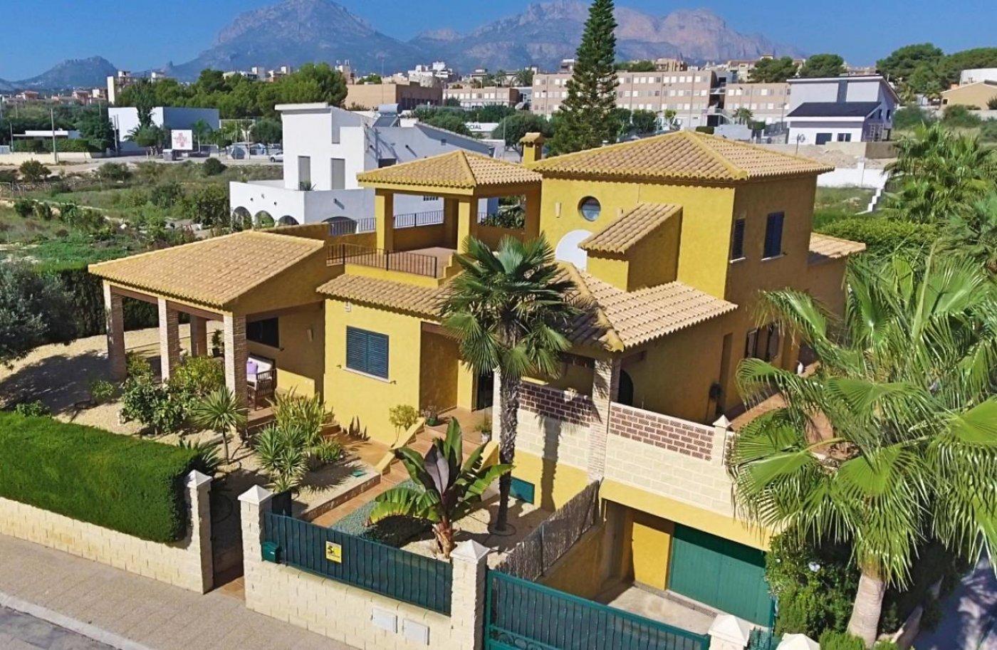 Real Estate Agents Altea - Properties for sale in Altea - villa - alfas-del-pi