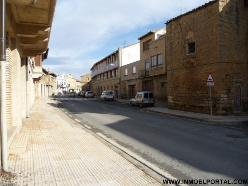 Local comercial en venta en Olite/Erriberri