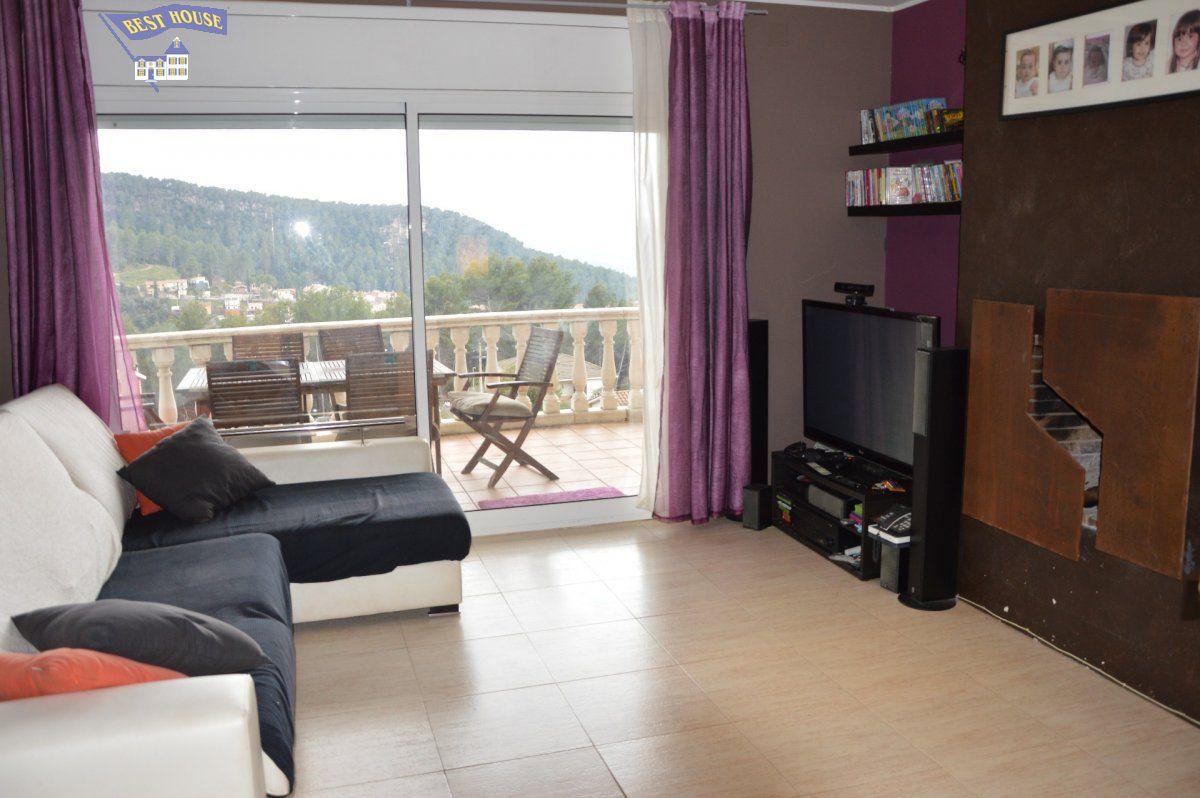 Casa en venta en Castellvi de Rosanes