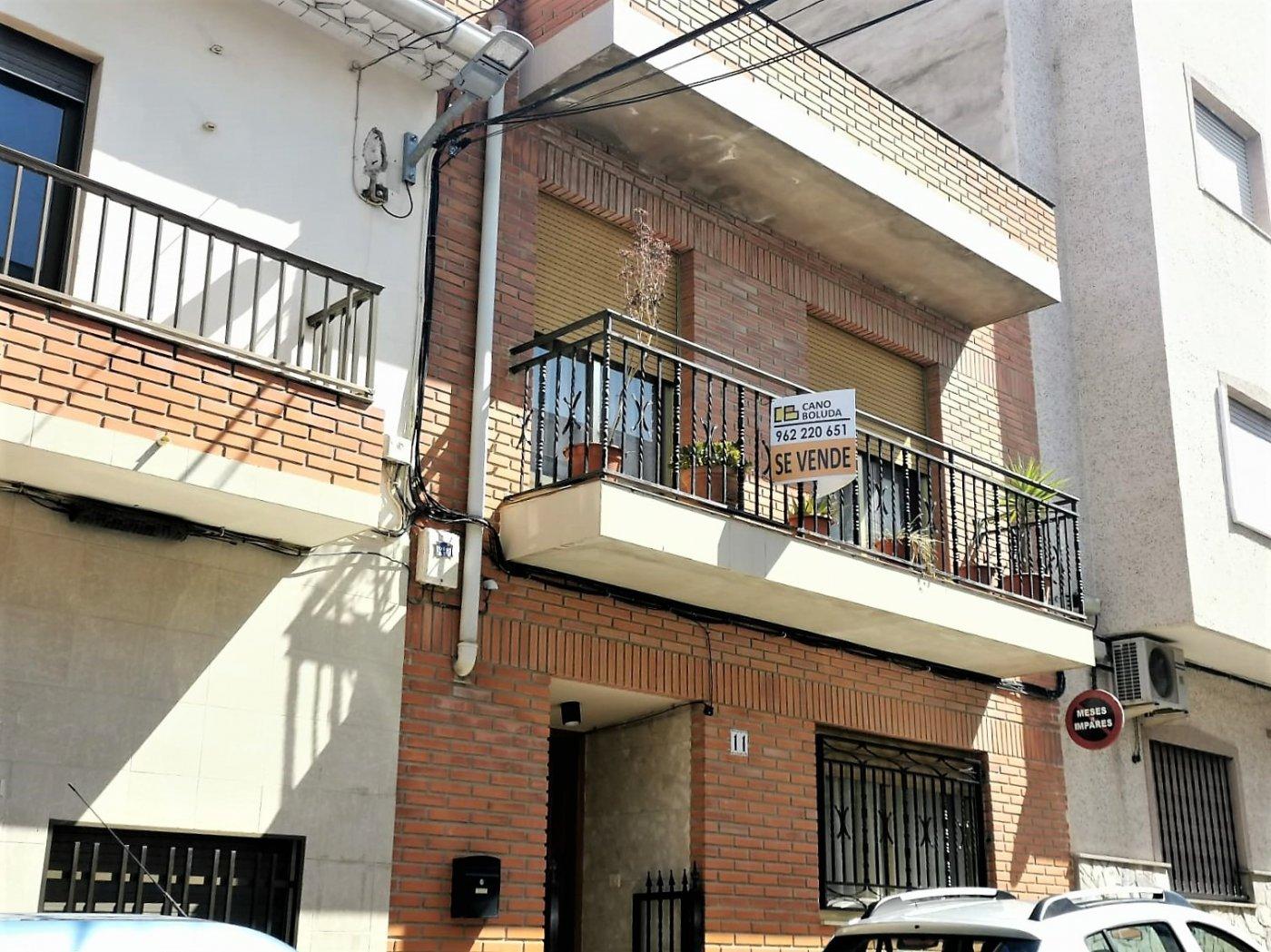 casa en chella · centro 125000€
