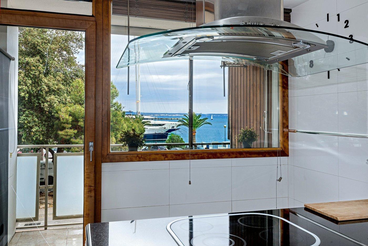 Apartamento con vistas al mar en paseo marítimo - imagenInmueble2