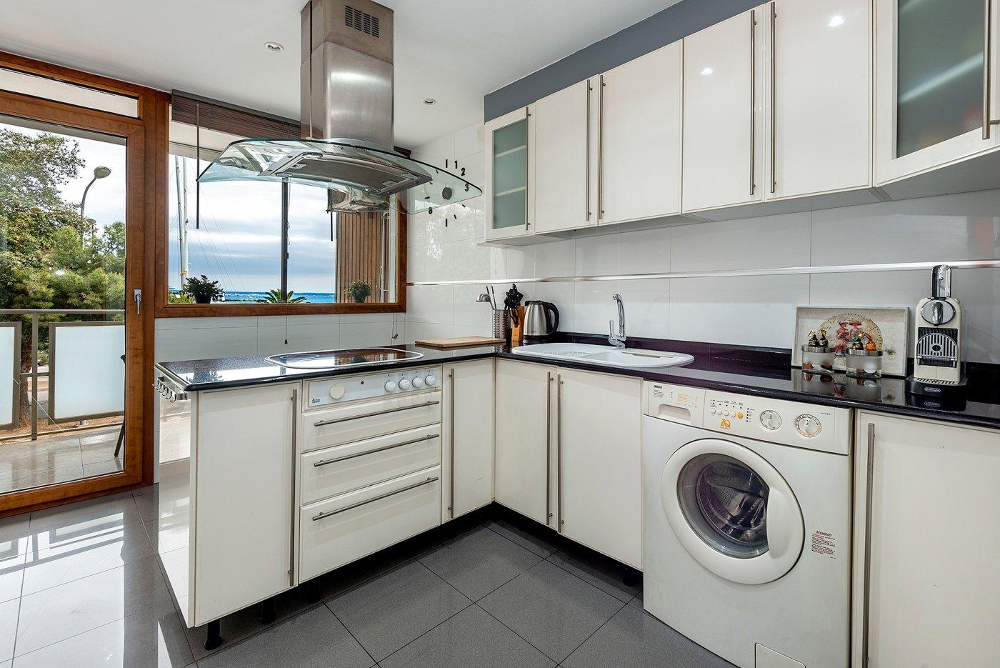 Apartamento con vistas al mar en paseo marítimo - imagenInmueble3