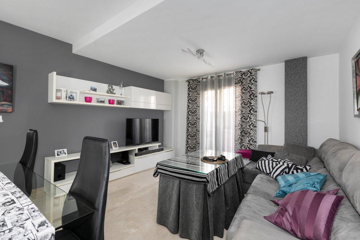 MagnÍfica casa en huÉtor vega con zonas comunes. ideal para familias - imagenInmueble1