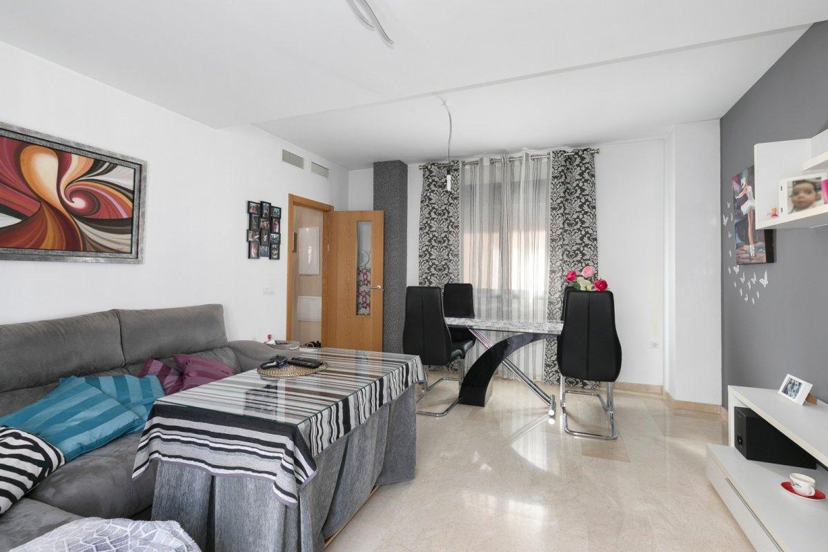 MagnÍfica casa en huÉtor vega con zonas comunes. ideal para familias - imagenInmueble24