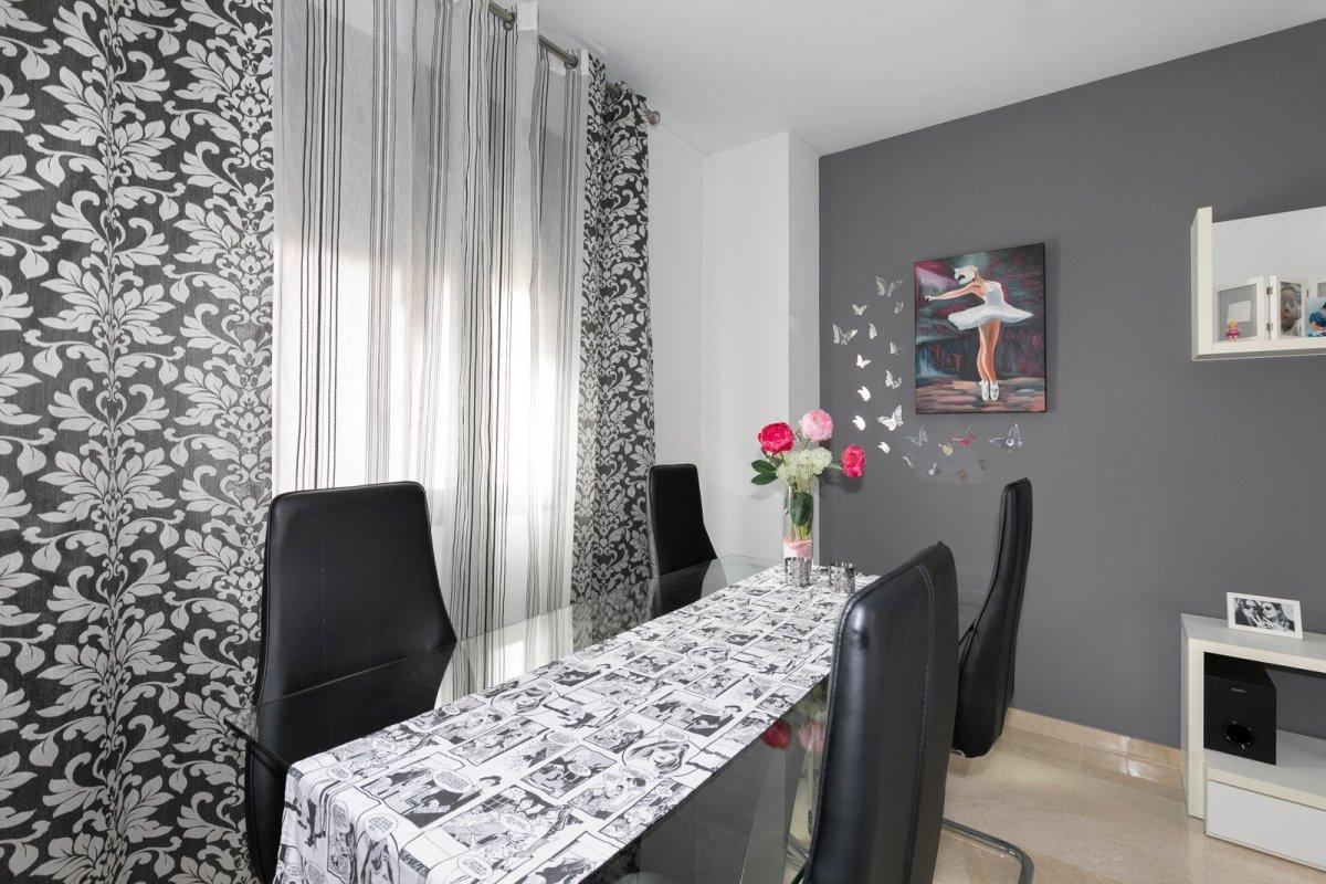MagnÍfica casa en huÉtor vega con zonas comunes. ideal para familias - imagenInmueble2