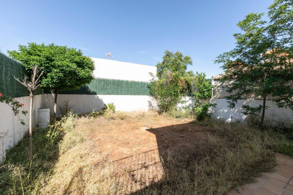 MagnÍfica casa en huÉtor vega con zonas comunes. ideal para familias - imagenInmueble29