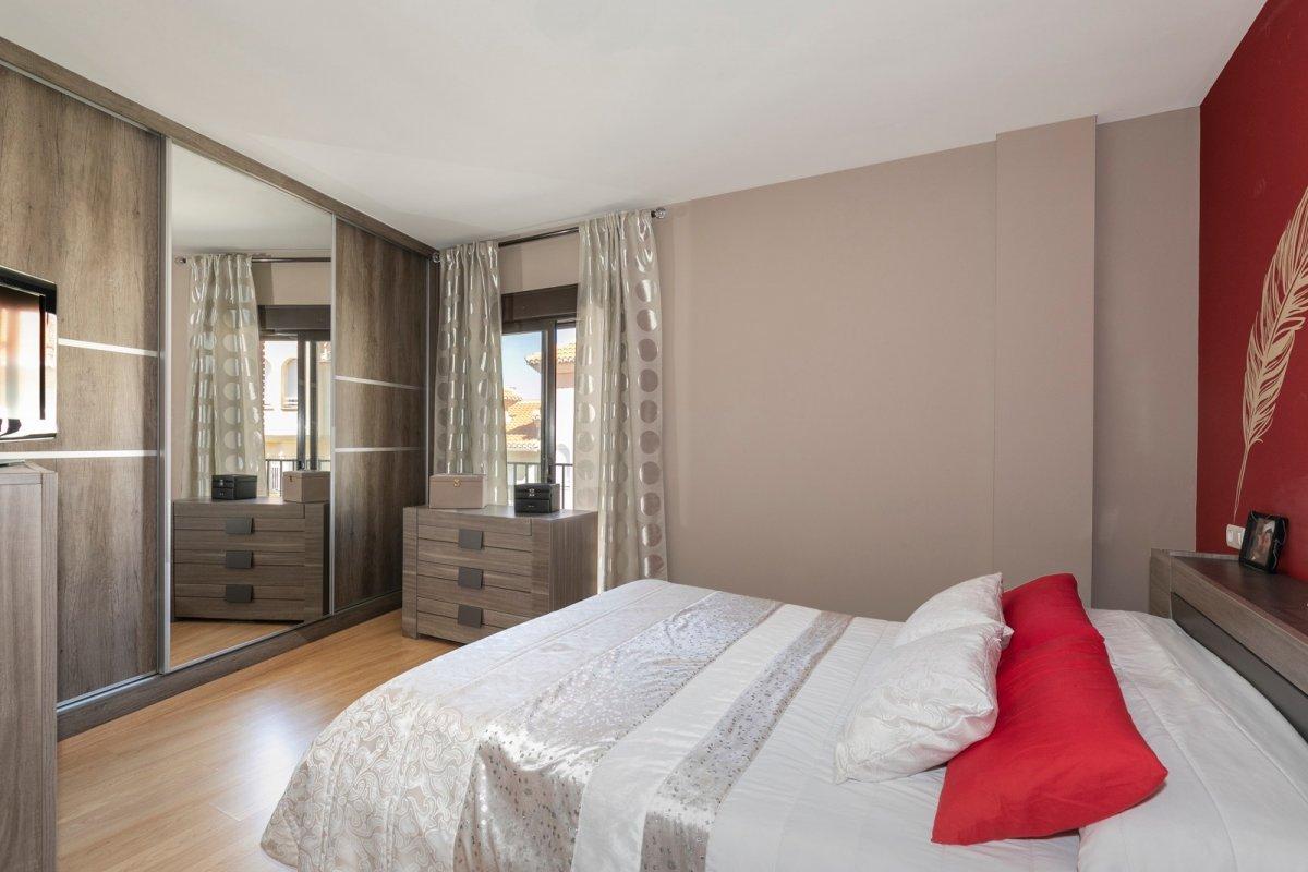 MagnÍfica casa en huÉtor vega con zonas comunes. ideal para familias - imagenInmueble7