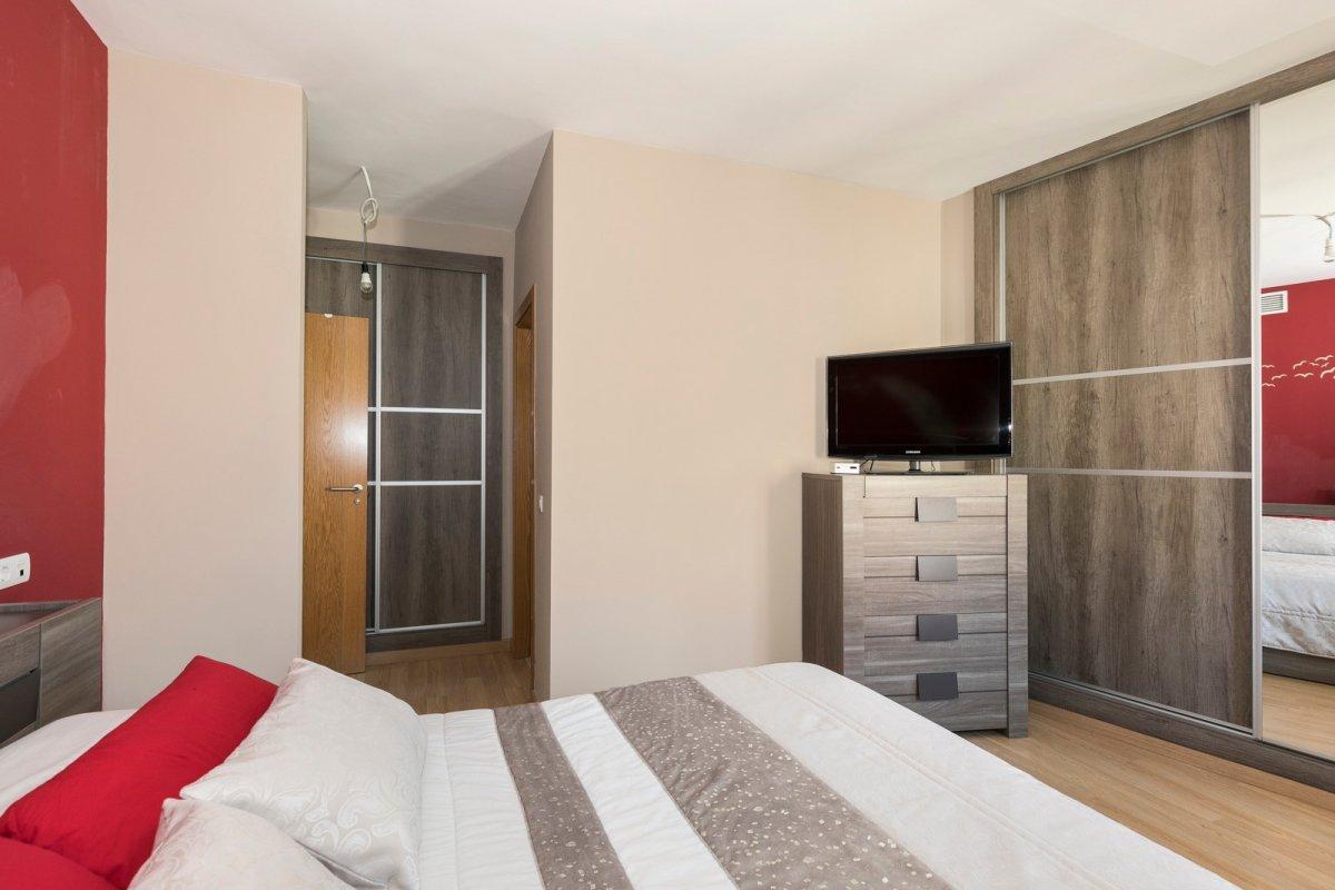 MagnÍfica casa en huÉtor vega con zonas comunes. ideal para familias - imagenInmueble8