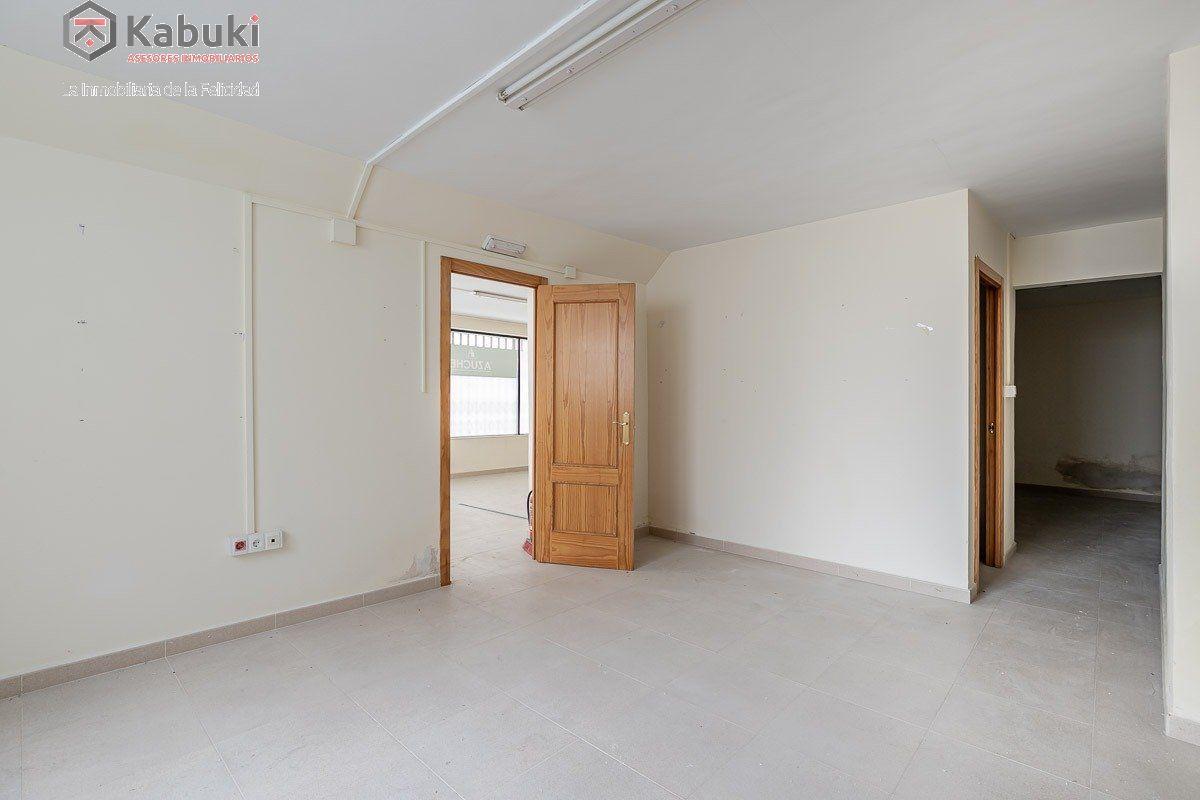 Edificio completo con viviendas y locales. situado a espaldas de la encarnación. alta rent - imagenInmueble30