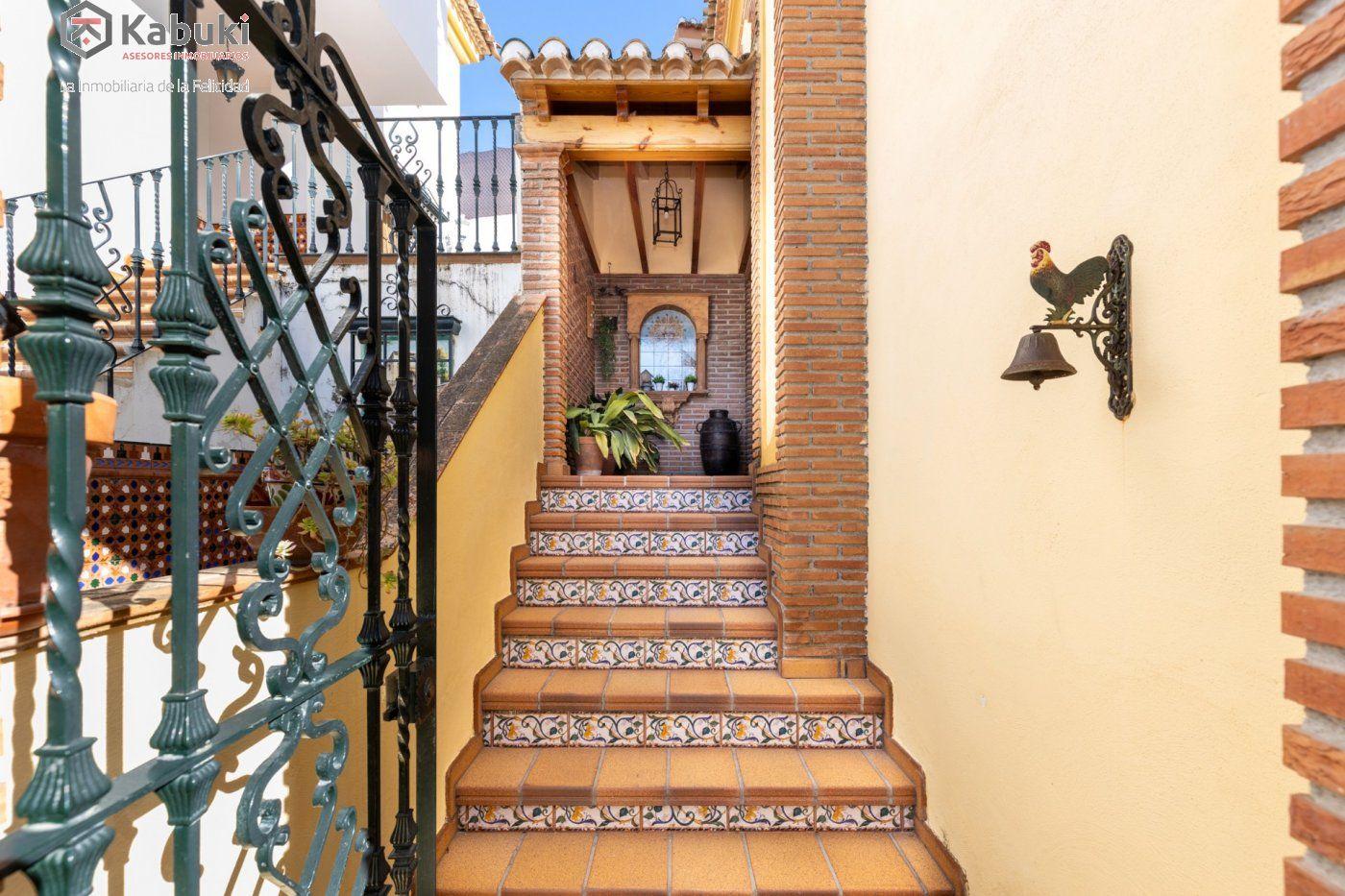 Magnífica casa en jun, con fabulosas vistas despejadas a la vega granadina y a montevive - imagenInmueble1