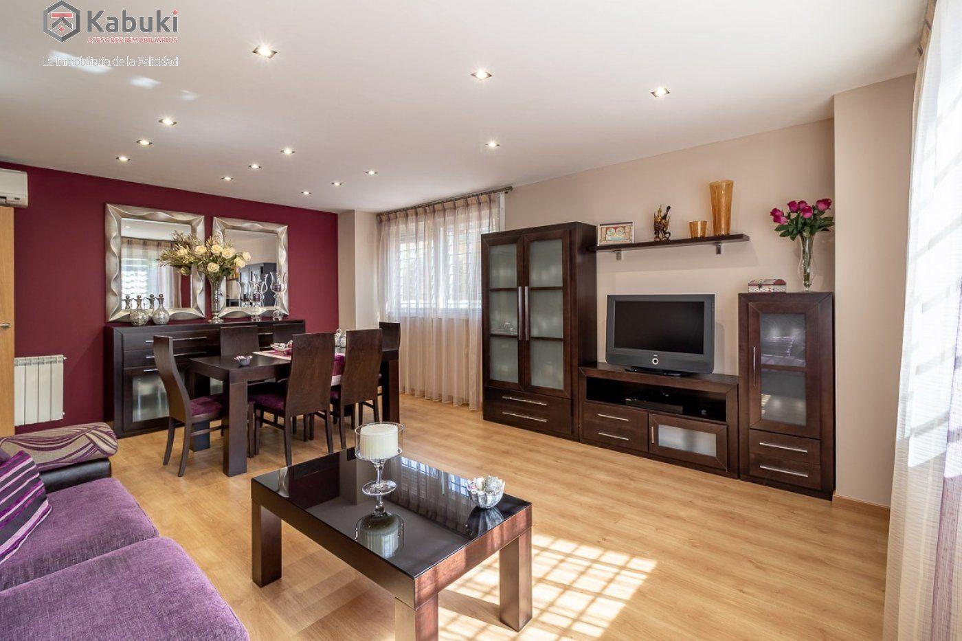 Coqueto piso de 2 dormitorios en un edificio del año 2008, con excelentes calidades y - imagenInmueble0