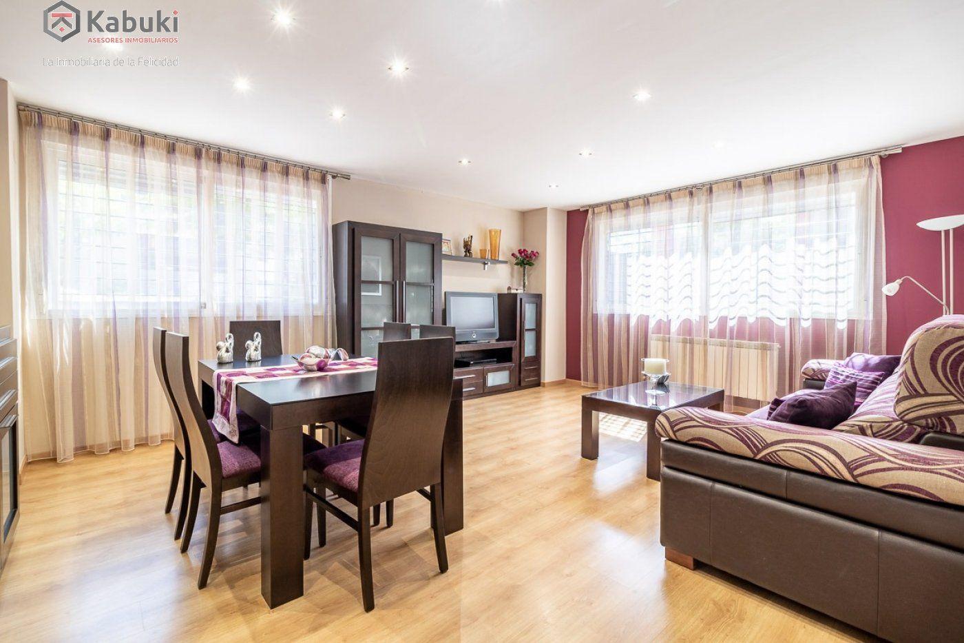 Coqueto piso de 2 dormitorios en un edificio del año 2008, con excelentes calidades y - imagenInmueble1