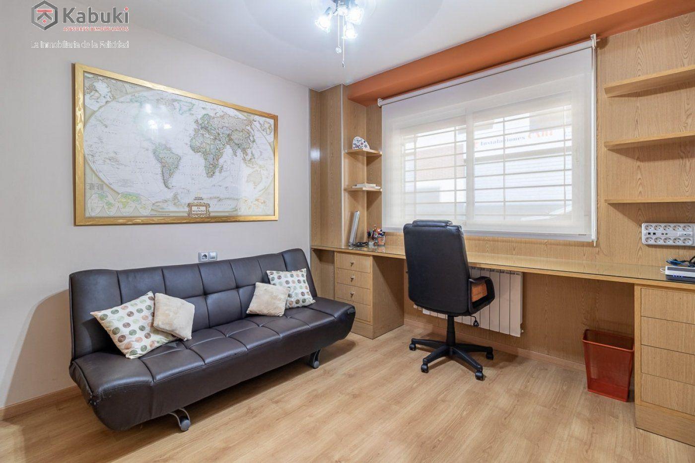 Coqueto piso de 2 dormitorios en un edificio del año 2008, con excelentes calidades y - imagenInmueble4