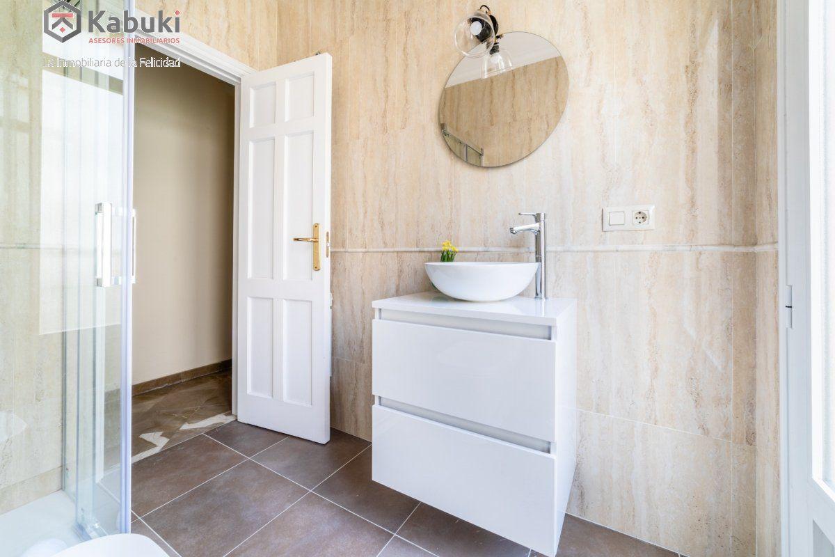 Magnífico inmueble de dos dormitorios en gran via. de estilo moderno, sentirás todo el con - imagenInmueble34