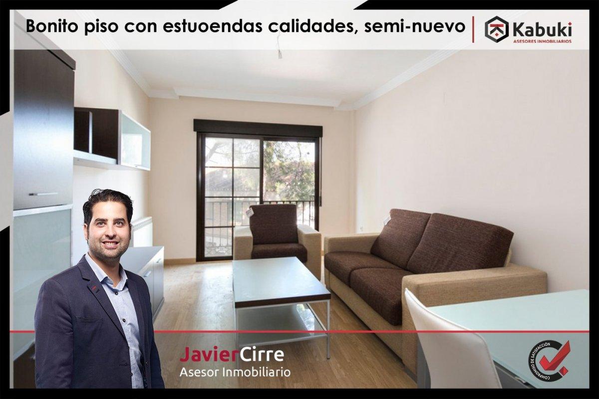 Precioso apartamento con encanto, para entrar, en una bonita zona residencial a 10 min de  - imagenInmueble0