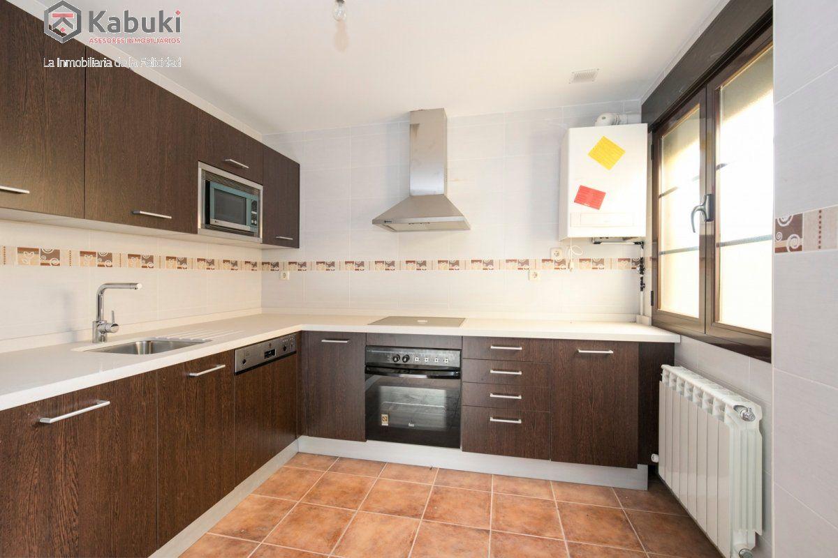 Precioso apartamento con encanto, para entrar, en una bonita zona residencial a 10 min de  - imagenInmueble9
