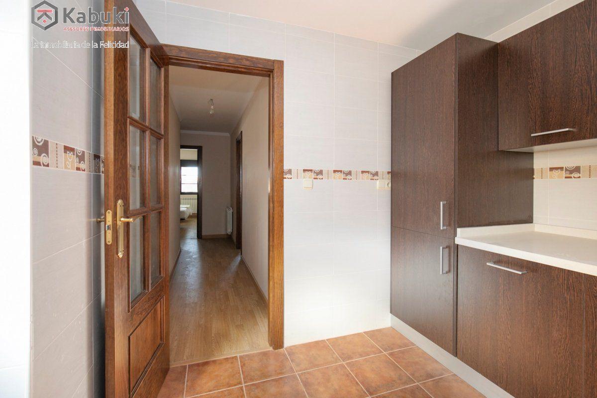 Precioso apartamento con encanto, para entrar, en una bonita zona residencial a 10 min de  - imagenInmueble10