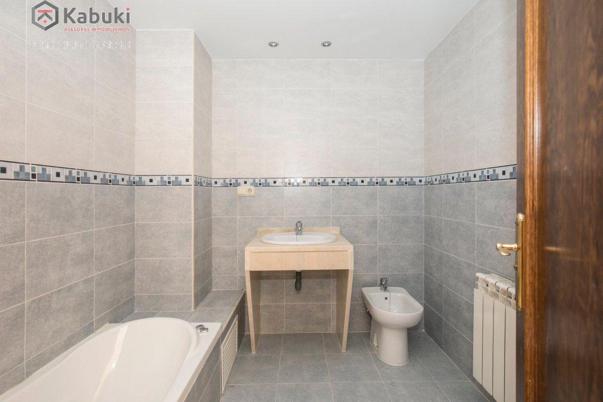 Precioso apartamento con encanto, para entrar, en una bonita zona residencial a 10 min de  - imagenInmueble11