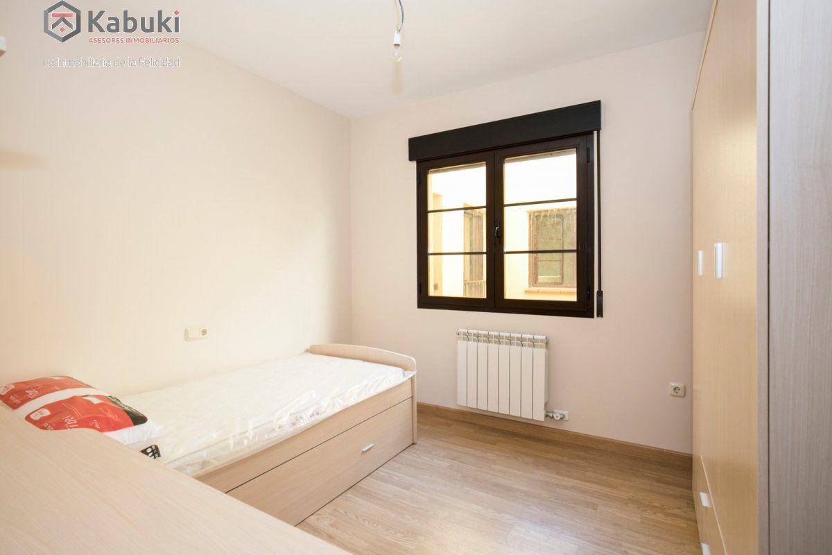 Precioso apartamento con encanto, para entrar, en una bonita zona residencial a 10 min de  - imagenInmueble14