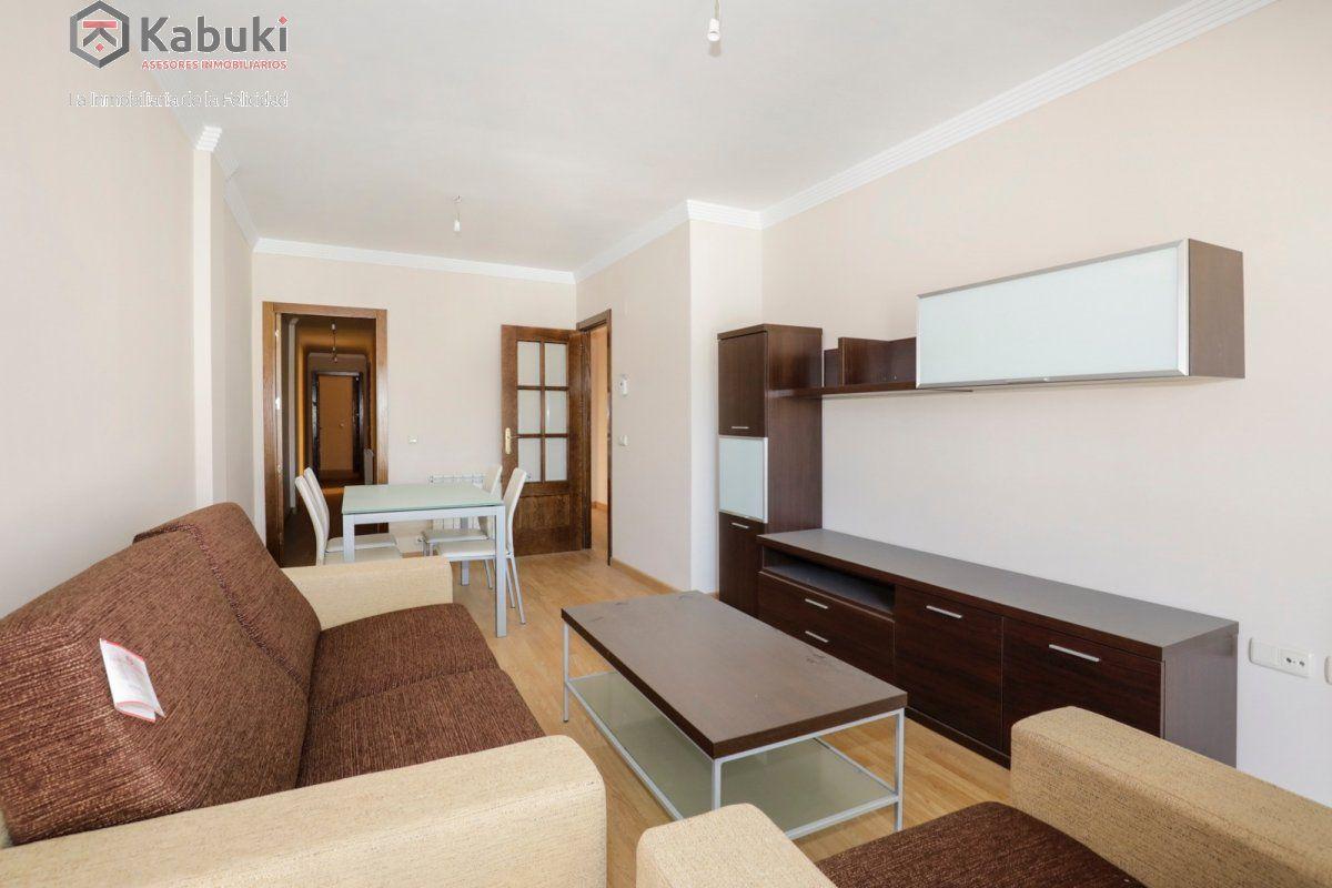 Precioso apartamento con encanto, para entrar, en una bonita zona residencial a 10 min de  - imagenInmueble1