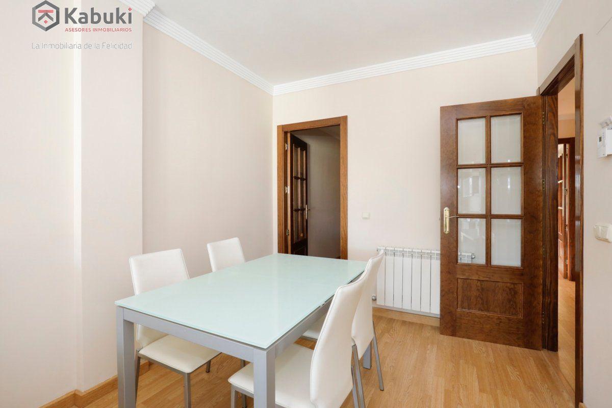 Precioso apartamento con encanto, para entrar, en una bonita zona residencial a 10 min de  - imagenInmueble2