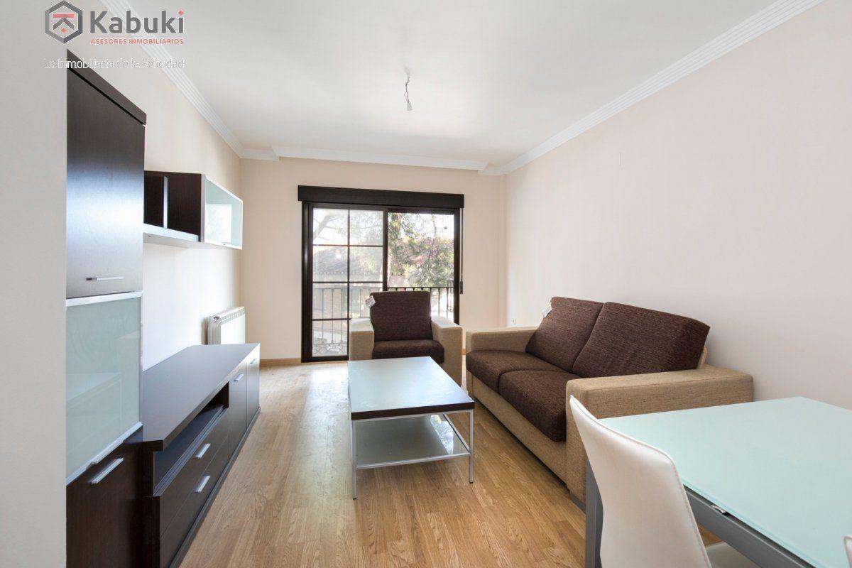 Precioso apartamento con encanto, para entrar, en una bonita zona residencial a 10 min de  - imagenInmueble3