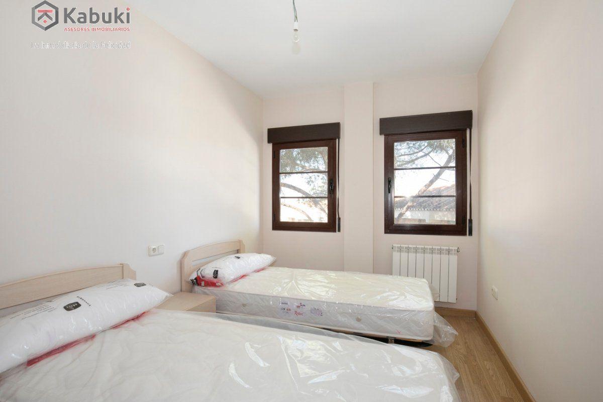 Precioso apartamento con encanto, para entrar, en una bonita zona residencial a 10 min de  - imagenInmueble4