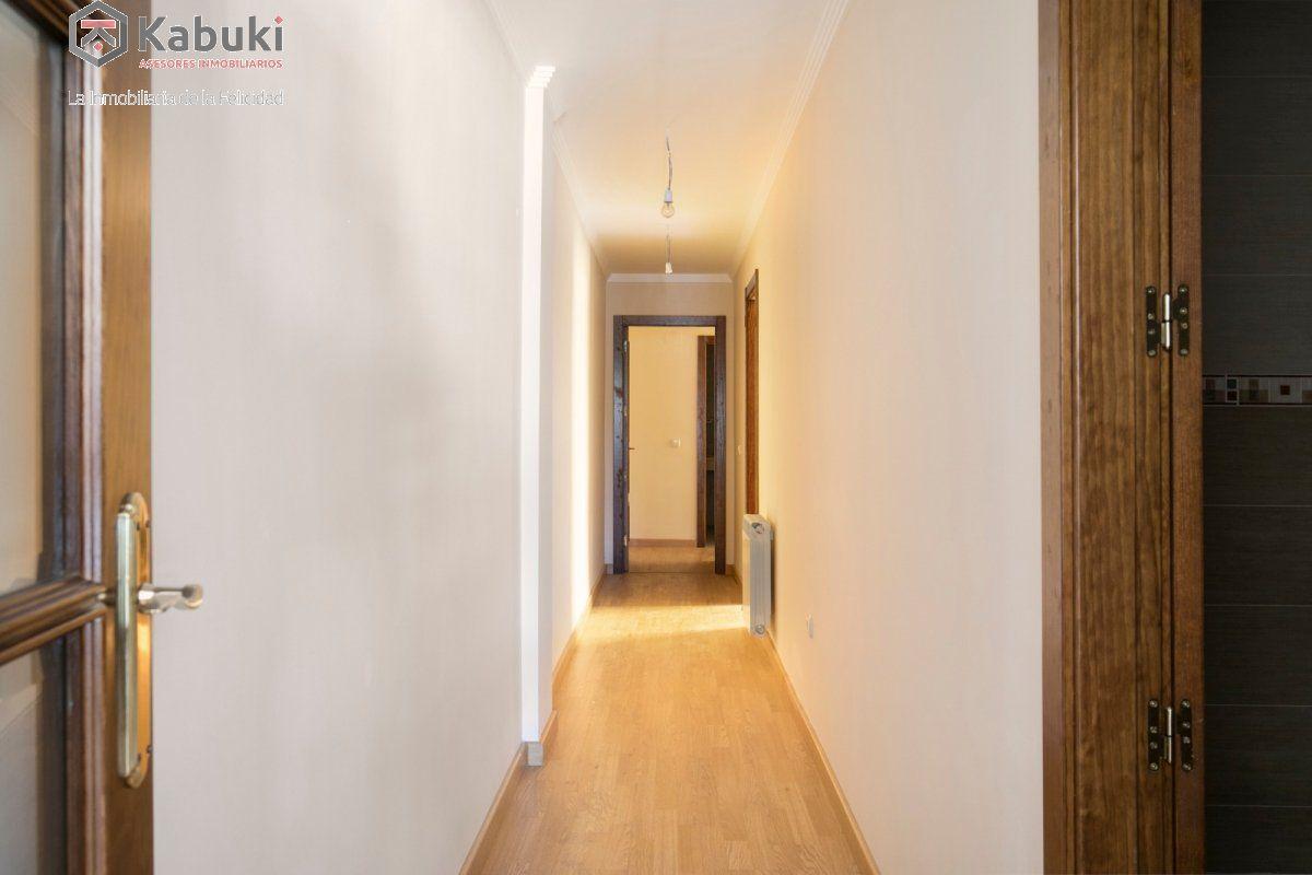 Precioso apartamento con encanto, para entrar, en una bonita zona residencial a 10 min de  - imagenInmueble8