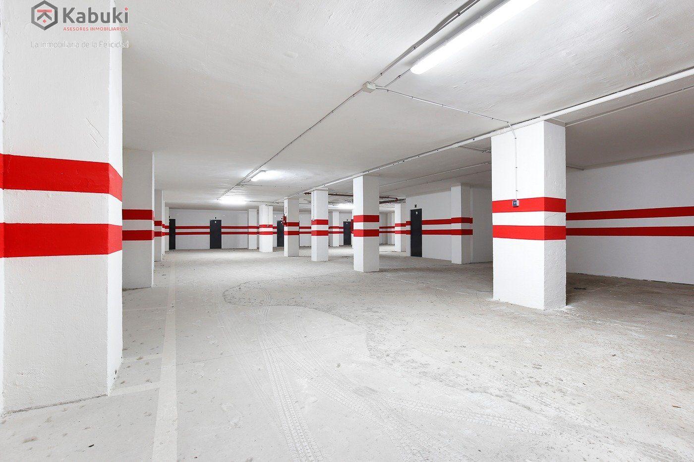 Si estas cansado de dar vueltas con el coche, tenemos fantástica plaza de garaje con trast - imagenInmueble3