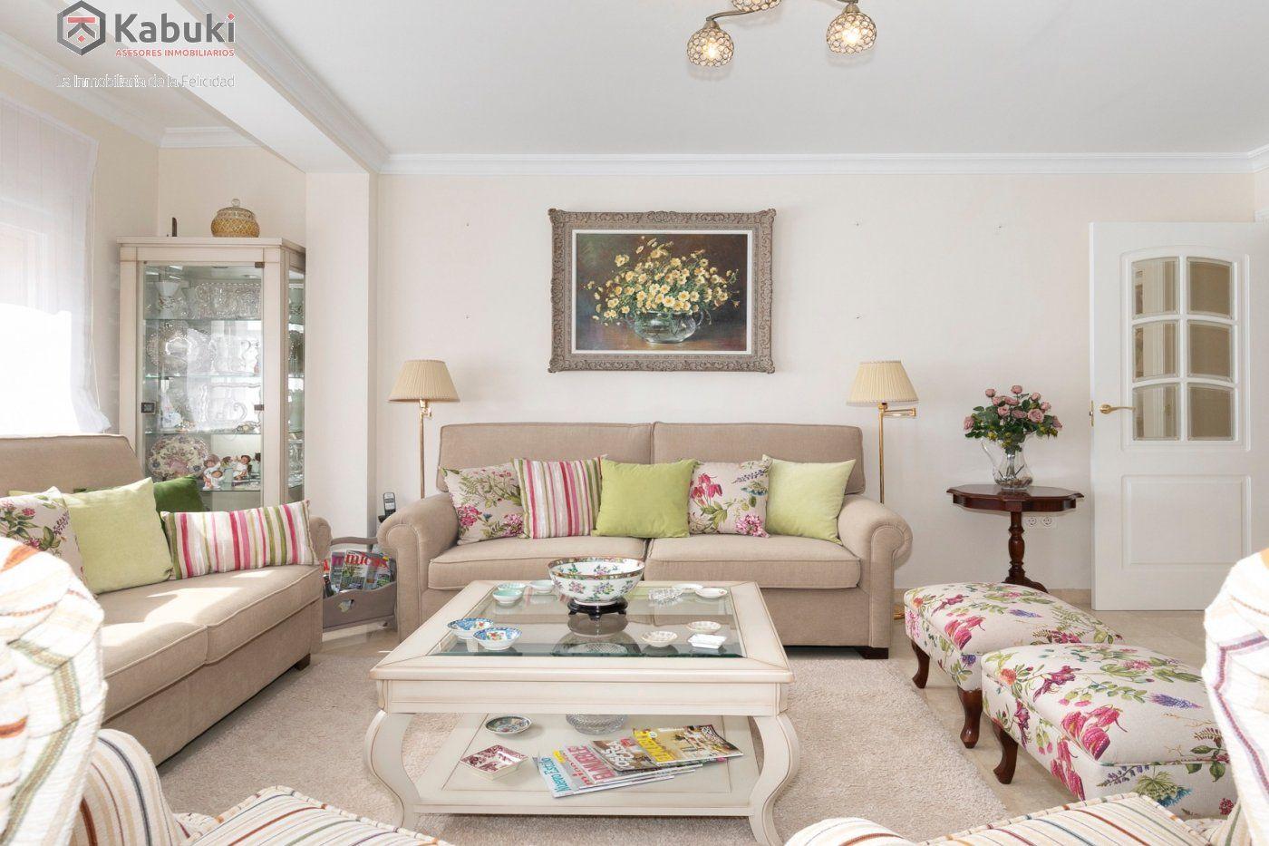 Magnífico piso en zona de recogidas, espacioso y luminoso en planta alta. - imagenInmueble0