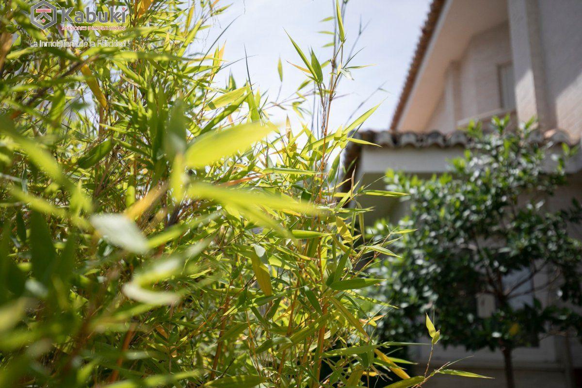 Magnífico chalet en la zubia con excelentes calidades.jardín, piscina e impresionantes vis - imagenInmueble34