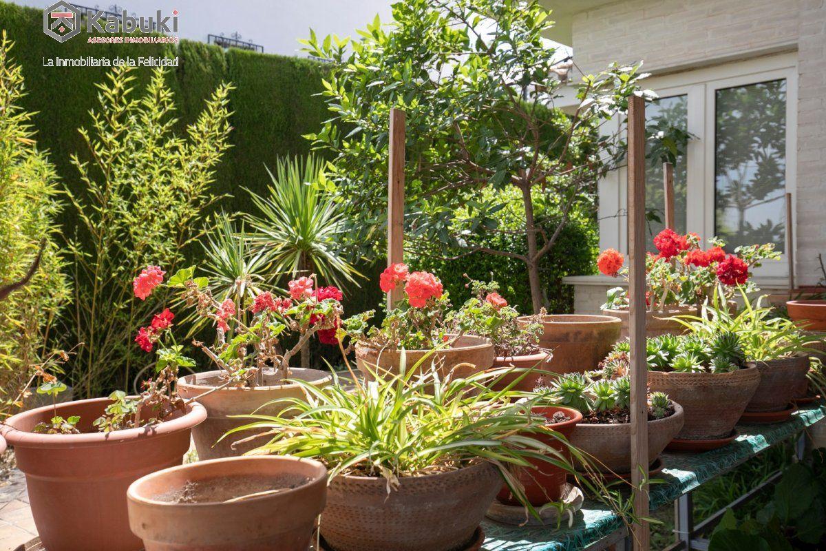 Magnífico chalet en la zubia con excelentes calidades.jardín, piscina e impresionantes vis - imagenInmueble4