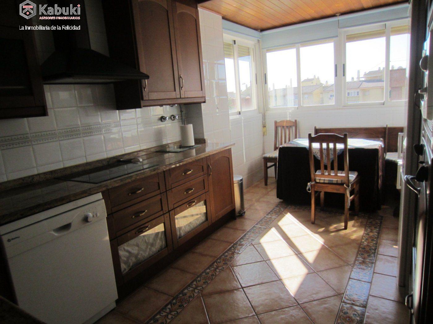 Ático con vistas despejadas en zona residencial, 3 dormitorios, inmejorables calidades - imagenInmueble30