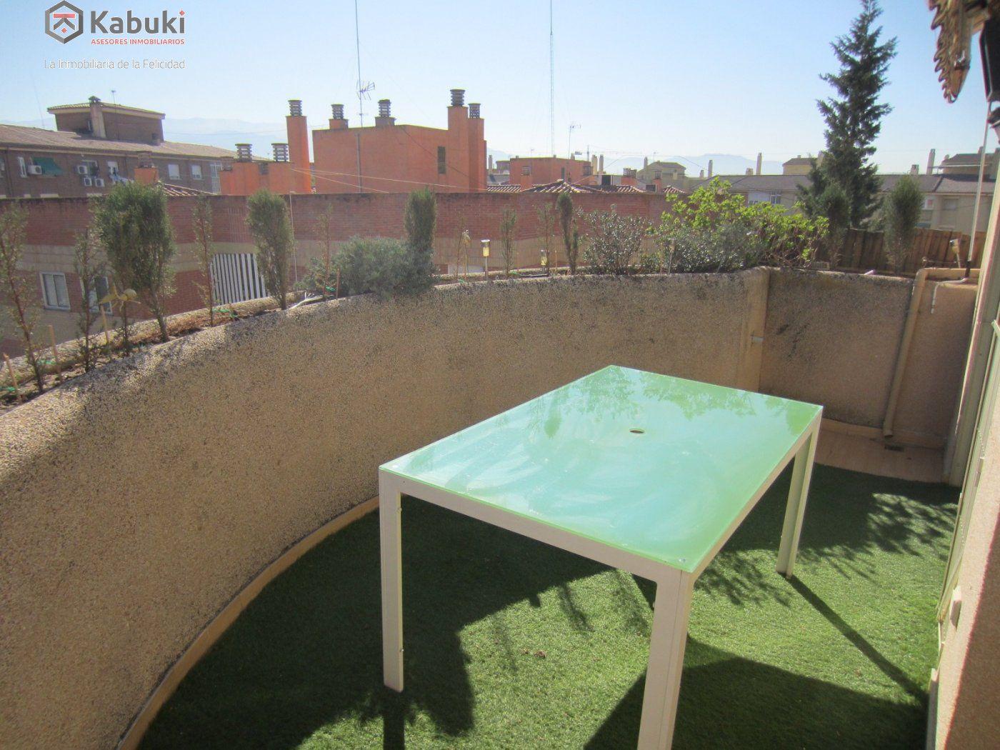 Ático con vistas despejadas en zona residencial, 3 dormitorios, inmejorables calidades - imagenInmueble3
