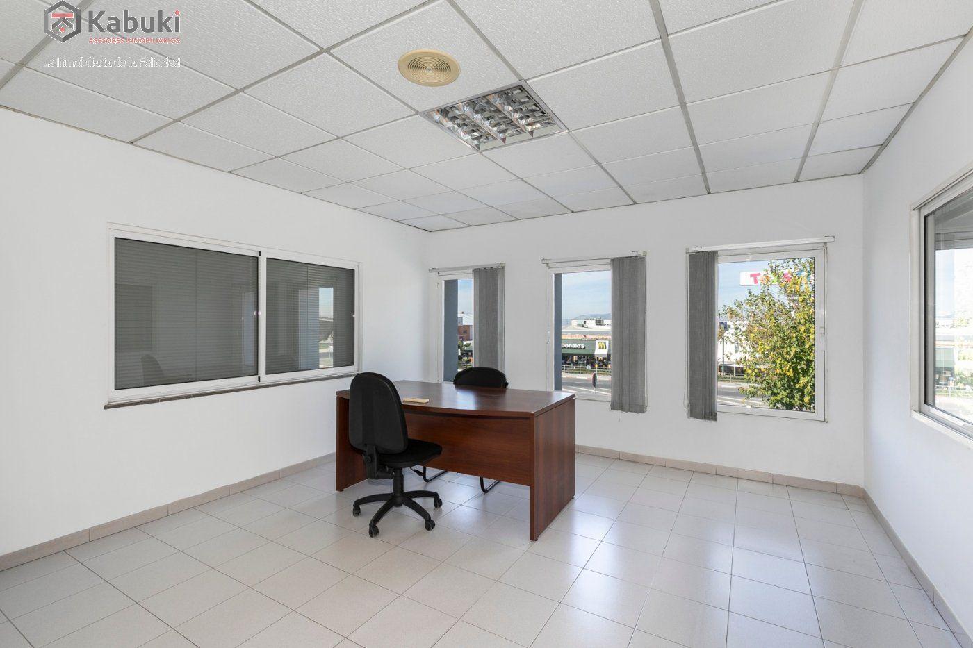 Magnífica oficina luminosa con un inmejorable acceso desde la circunvalación - imagenInmueble1